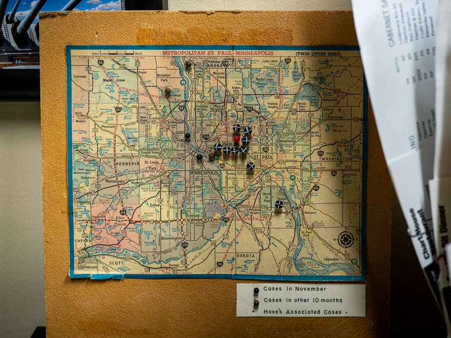 A contact tracing map from an outbreak in Minneapolis–Saint Paul.